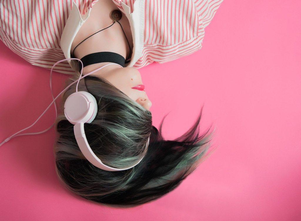 音楽を聴きながらのマッサージ【結論:音楽によります】